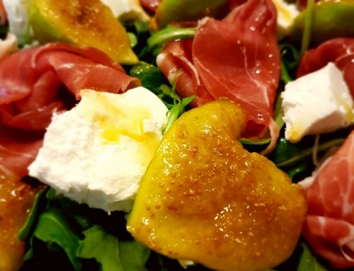 Caramelised Fig, Goat Cheese and Prosciutto Salad