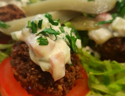 Crunchy Homemade Felafel with Tahini